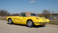 1958 Chevrolet Corvette Resto Mod 350/400 HP, 6-Speed  presented as lot S33 at Indianapolis, IN 2009 - thumbail image2