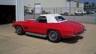 1967 Chevrolet Corvette Convertible 427/390 HP, 4-Speed presented as lot S89 at Indianapolis, IN 2009 - thumbail image2