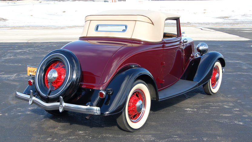 1933 Ford Cabriolet Convertible Flathead, 3-Speed  presented as lot S102 at Indianapolis, IN 2009 - image2