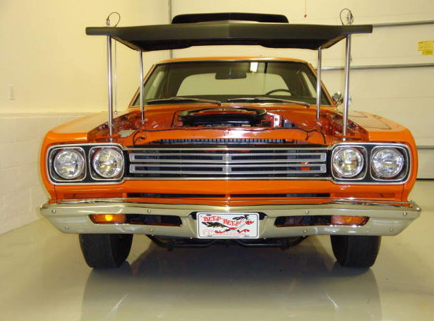 1969 Plymouth Road Runner A-12 M-code 440/390 HP, 4-Speed  presented as lot S146 at Indianapolis, IN 2009 - image2