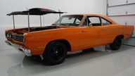 1969 Plymouth Road Runner A-12 M-code 440/390 HP, 4-Speed  presented as lot S146 at Indianapolis, IN 2009 - thumbail image3