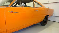 1969 Plymouth Road Runner A-12 M-code 440/390 HP, 4-Speed  presented as lot S146 at Indianapolis, IN 2009 - thumbail image6