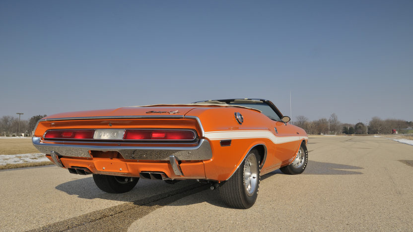 1970 Dodge Challenger Convertible 440/390 HP, 4-Speed  presented as lot S190 at Indianapolis, IN 2009 - image2