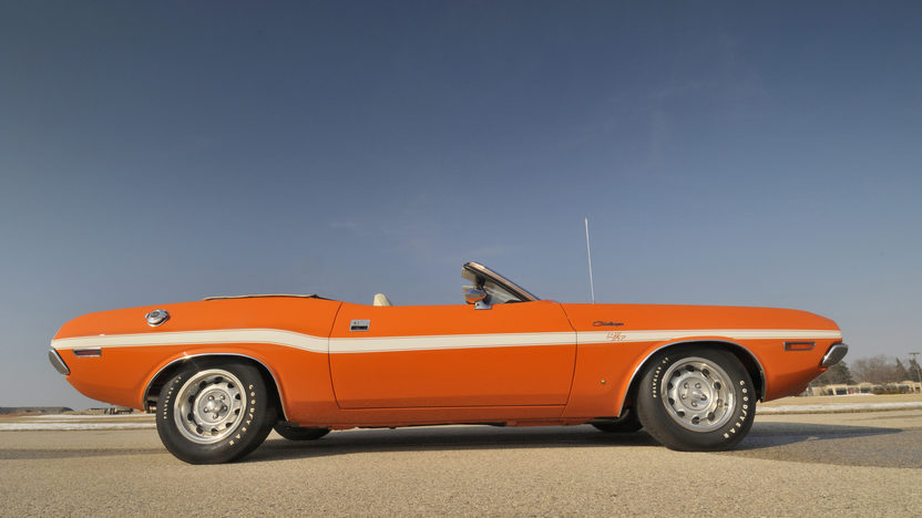 1970 Dodge Challenger Convertible 440/390 HP, 4-Speed  presented as lot S190 at Indianapolis, IN 2009 - image3