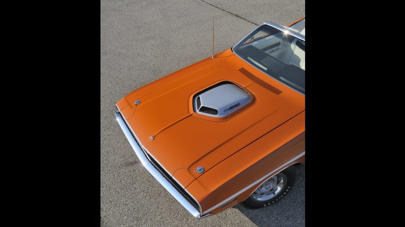 1970 Dodge Challenger Convertible 440/390 HP, 4-Speed  presented as lot S190 at Indianapolis, IN 2009 - image5