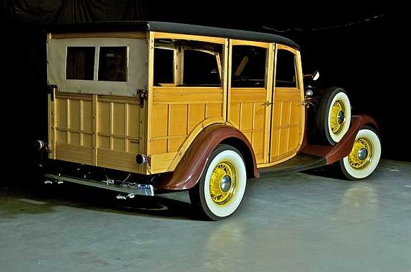 1934 Ford Woody Station Wagon 239/100 HP, 3-Speed  presented as lot S79 at Indianapolis, IN 2010 - image2