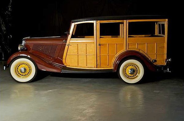 1934 Ford Woody Station Wagon 239/100 HP, 3-Speed  presented as lot S79 at Indianapolis, IN 2010 - image7