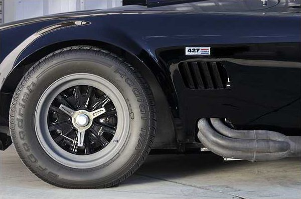 1966 Shelby Cobra Roadster 427 CI, 4-Speed, CSX 3172 presented as lot F220 at Indianapolis, IN 2010 - image2