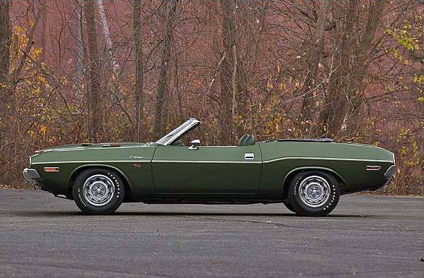 1970 Dodge Hemi Challenger Convertible 426/425 HP V-8 , 3-Speed Automatic presented as lot F225 at Indianapolis, IN 2010 - image2