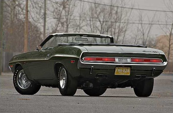 1970 Dodge Hemi Challenger Convertible 426/425 HP V-8 , 3-Speed Automatic presented as lot F225 at Indianapolis, IN 2010 - image3