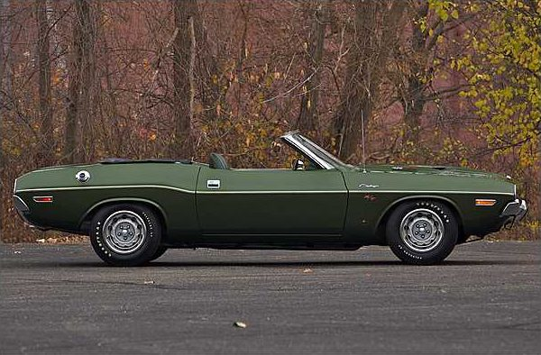 1970 Dodge Hemi Challenger Convertible 426/425 HP V-8 , 3-Speed Automatic presented as lot F225 at Indianapolis, IN 2010 - image8