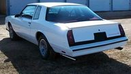1986 Chevrolet Monte Carlo SS Aero Coupe presented as lot W263 at Indianapolis, IN 2010 - thumbail image2