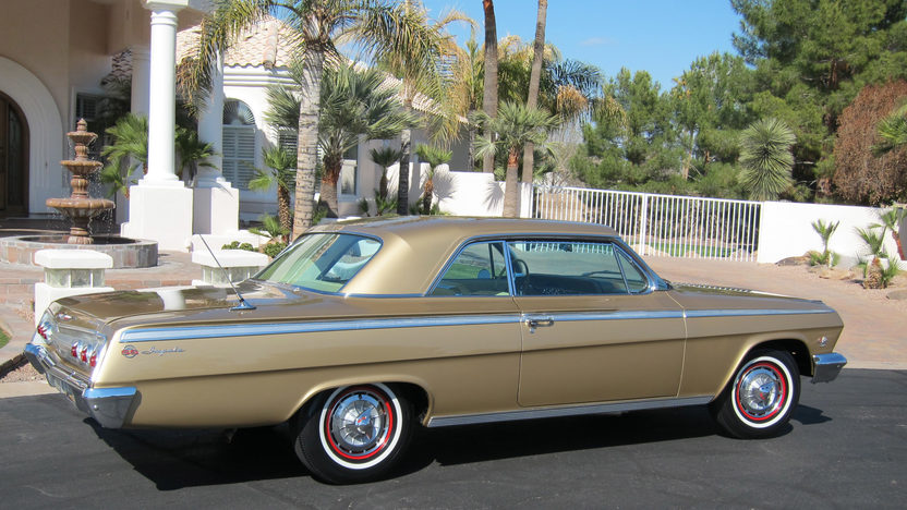 1962 Chevrolet Impala SS Gold Anniversary 409 CI, 4-Speed Manual presented as lot F205 at Indianapolis, IN 2011 - image2