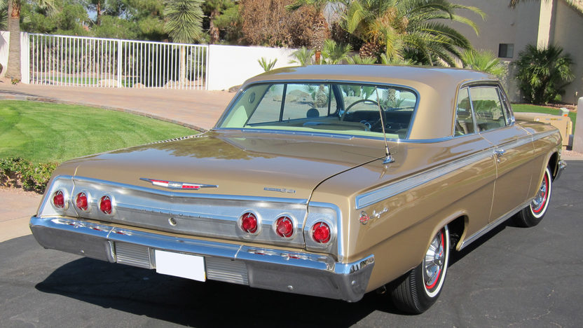 1962 Chevrolet Impala SS Gold Anniversary 409 CI, 4-Speed Manual presented as lot F205 at Indianapolis, IN 2011 - image3