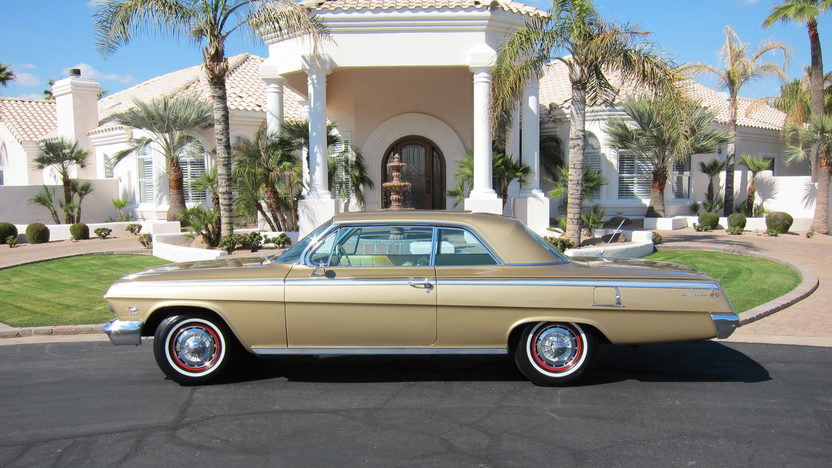1962 Chevrolet Impala SS Gold Anniversary 409 CI, 4-Speed Manual presented as lot F205 at Indianapolis, IN 2011 - image5