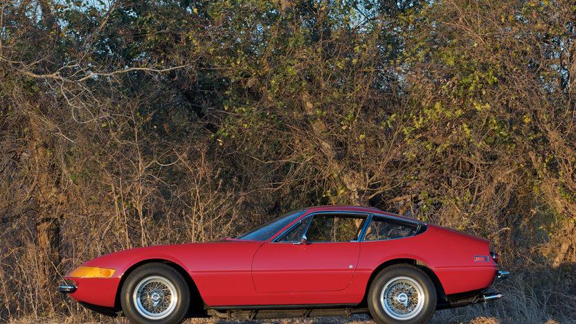 1973 Ferrari 365 GTB/4 Daytona 5-Speed presented as lot S132 at Indianapolis, IN 2011 - image3