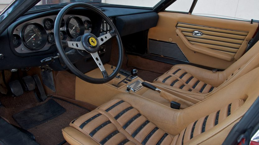 1973 Ferrari 365 GTB/4 Daytona 5-Speed presented as lot S132 at Indianapolis, IN 2011 - image4