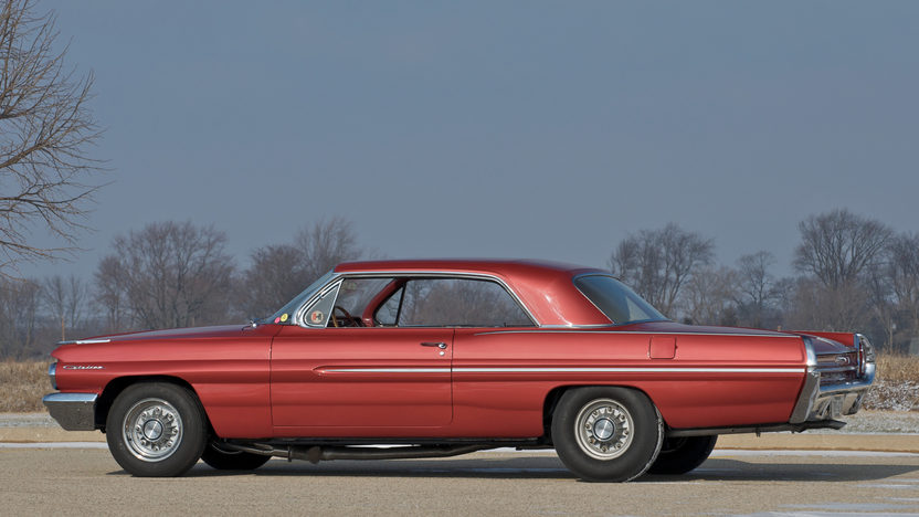 1962 Pontiac Catalina Super Duty 421 CI SD, 4-Speed presented as lot S133 at Indianapolis, IN 2011 - image3