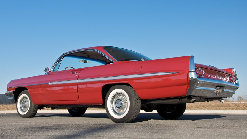 1961 Pontiac Ventura Bubbletop 389 CI, 4-Speed presented as lot S135 at Indianapolis, IN 2011 - image2