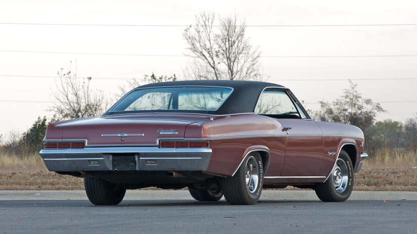 1966 Chevrolet Impala SS 427/425 HP, 4-Speed presented as lot S136 at Indianapolis, IN 2011 - image7