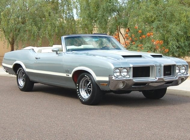 1971 Oldsmobile 442 W-30 Convertible 455 CI, Automatic presented as lot S149 at Indianapolis, IN 2011 - image3
