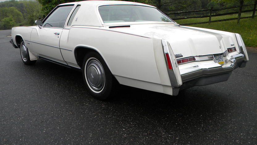 1975 Oldsmobile Toronado Coupe 455 CI presented as lot W118 at Indianapolis, IN 2012 - image2
