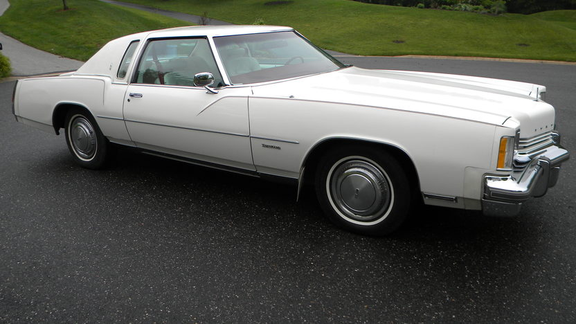 1975 Oldsmobile Toronado Coupe 455 CI presented as lot W118 at Indianapolis, IN 2012 - image8