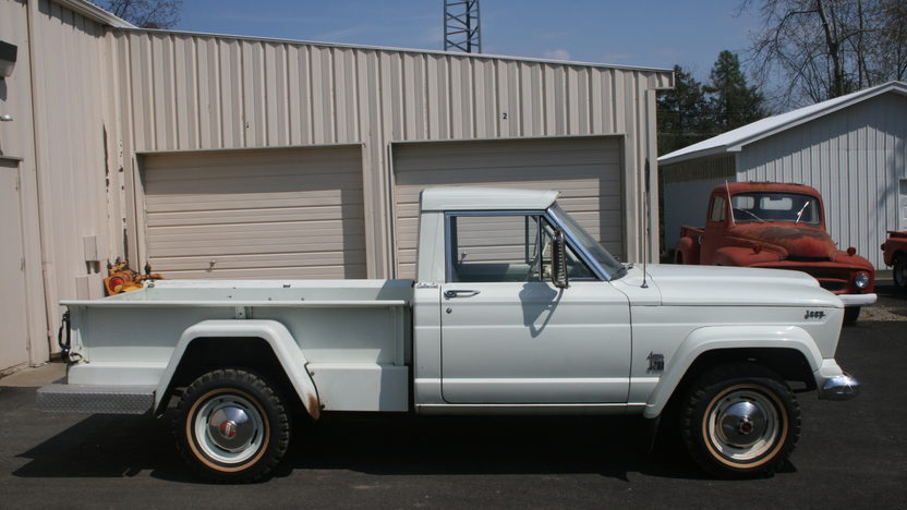 1965 Jeep Gladiator Thriftside 4x4 230 CI, 3-Speed presented as lot T7 at Indianapolis, IN 2012 - image2