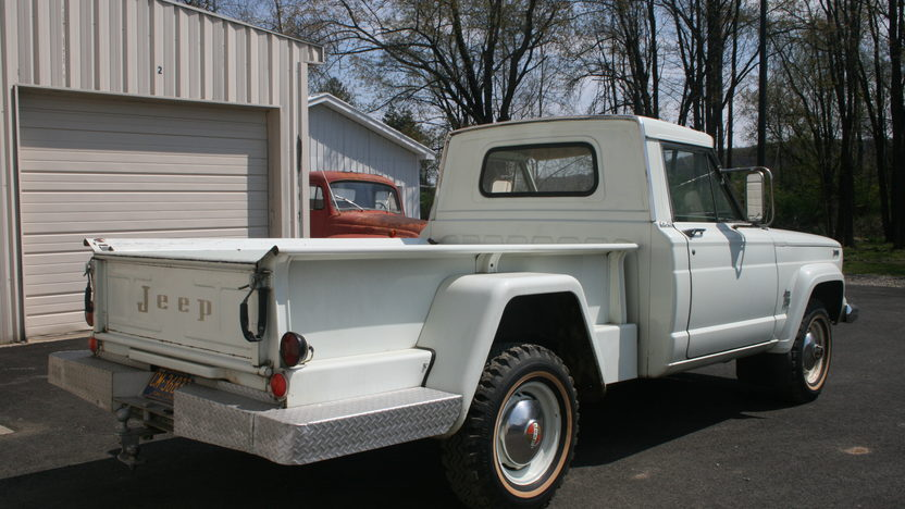 1965 Jeep Gladiator Thriftside 4x4 230 CI, 3-Speed presented as lot T7 at Indianapolis, IN 2012 - image7