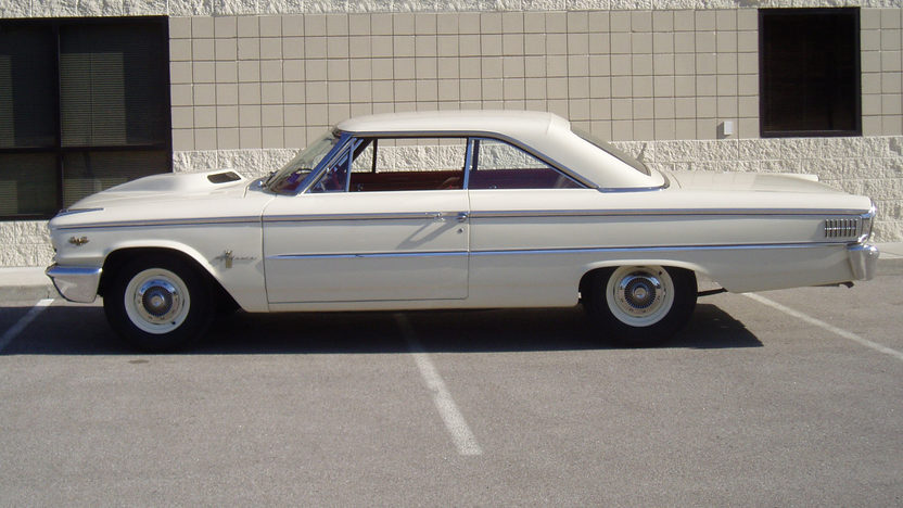 1963 Ford Galaxie Lightweight 427/425 HP, 4-Speed presented as lot F305 at Indianapolis, IN 2012 - image3