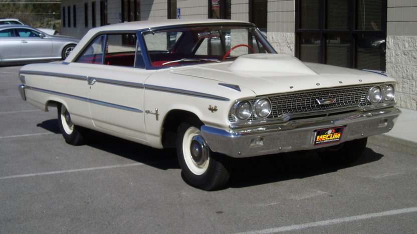 1963 Ford Galaxie Lightweight 427/425 HP, 4-Speed presented as lot F305 at Indianapolis, IN 2012 - image8