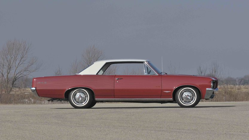 1964 Pontiac GTO 2-Door Hardtop 389 CI, 4-Speed presented as lot F322 at Indianapolis, IN 2012 - image3