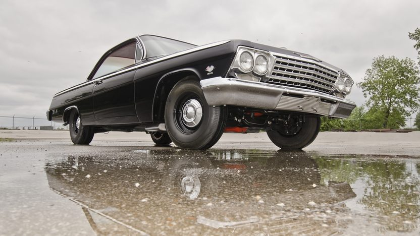1962 Chevrolet Bel Air Lightweight Bubble Top 409/409 HP, 4-Speed presented as lot F324 at Indianapolis, IN 2012 - image3