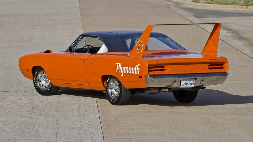 1970 Plymouth Hemi Superbird 426/425 HP, Automatic presented as lot S238 at Indianapolis, IN 2012 - image11