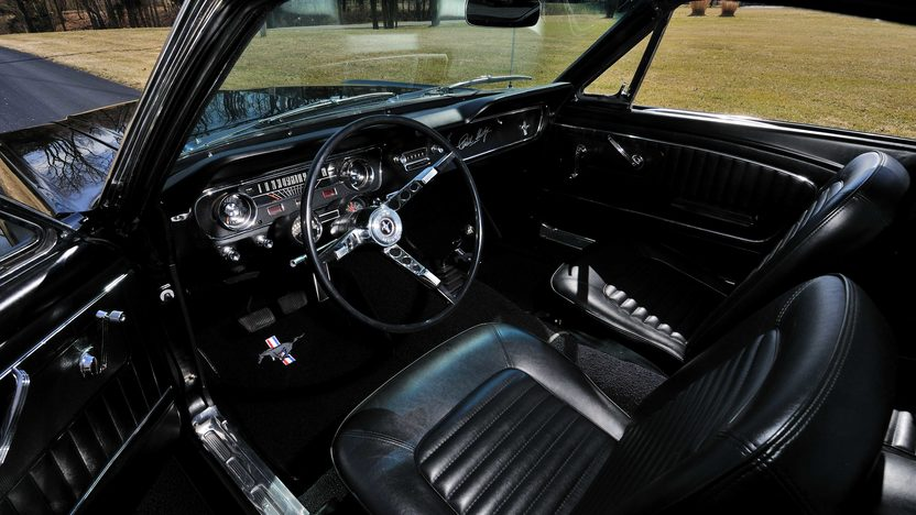 1965 Ford Mustang Fastback K-Code 289 CI, 4-Speed presented as lot T193 at Indianapolis, IN 2013 - image4