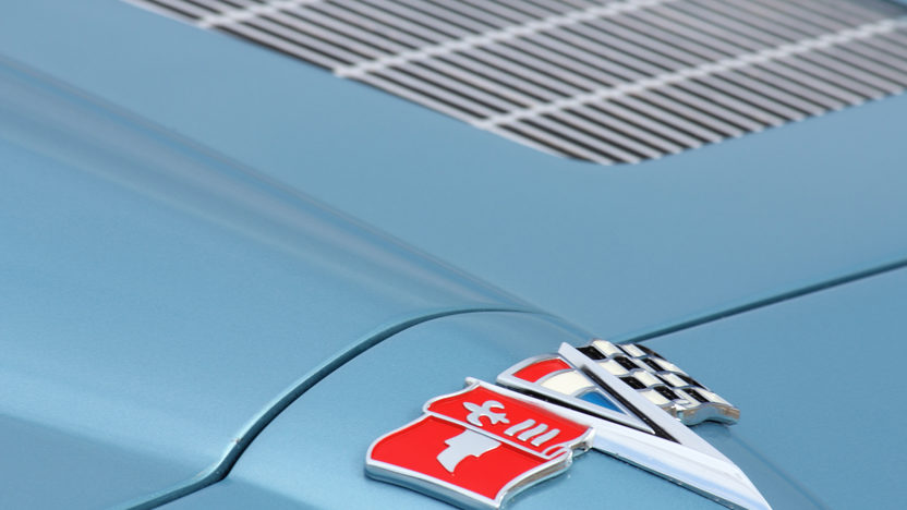 1963 Chevrolet Corvette Split Window Coupe 327/340 HP, 4-Speed presented as lot T232 at Indianapolis, IN 2013 - image11