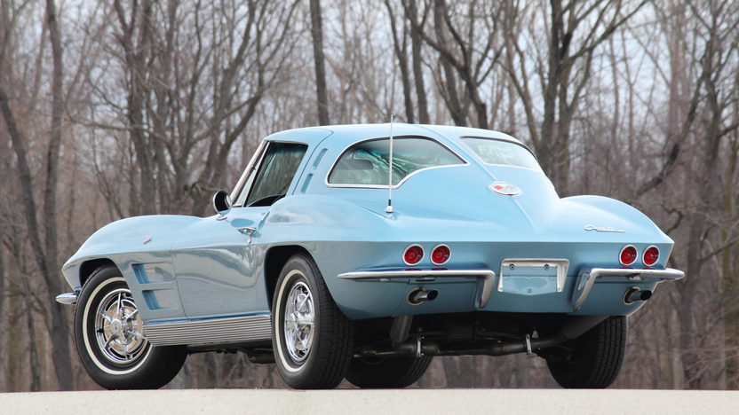1963 Chevrolet Corvette Split Window Coupe 327/340 HP, 4-Speed presented as lot T232 at Indianapolis, IN 2013 - image3