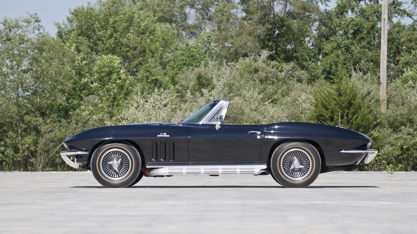 1966 Chevrolet Corvette Convertible 427/425 HP, 4-Speed, Triple Black presented as lot T266 at Indianapolis, IN 2013 - image3