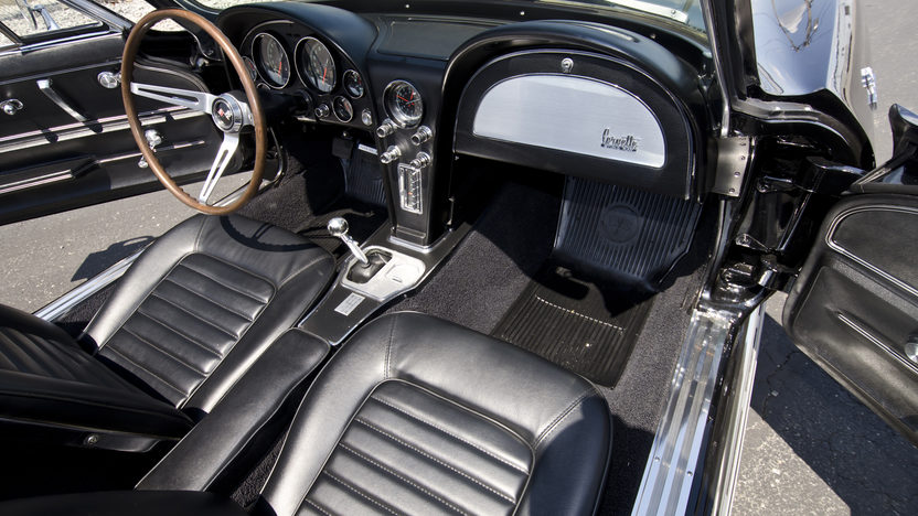 1966 Chevrolet Corvette Convertible 427/425 HP, 4-Speed, Triple Black presented as lot T266 at Indianapolis, IN 2013 - image7