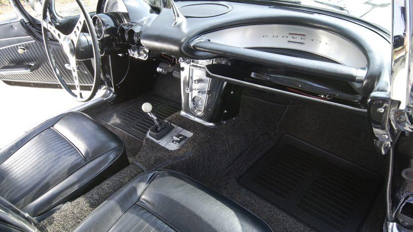 1962 Chevrolet Corvette Big Brake Fuelie 327/360 HP, Sebring Type Racing Equipment presented as lot T267 at Indianapolis, IN 2013 - image4