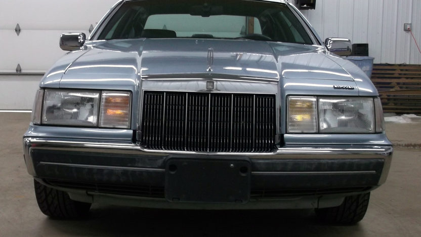 1990 Lincoln Mark VII 302 CI, Automatic presented as lot G53 at Indianapolis, IN 2013 - image7
