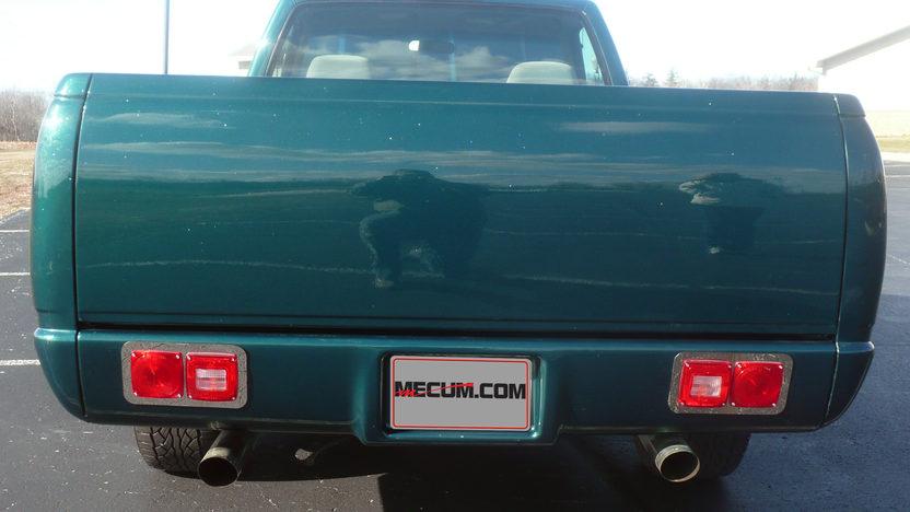 1998 Chevrolet Silverado Pickup presented as lot G60 at Indianapolis, IN 2013 - image2