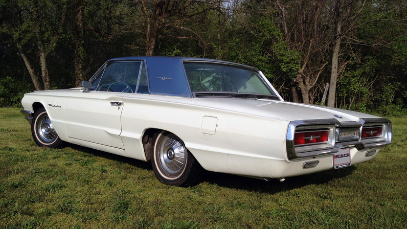 1964 Ford Thunderbird 390 CI, Automatic presented as lot G89 at Indianapolis, IN 2013 - image3