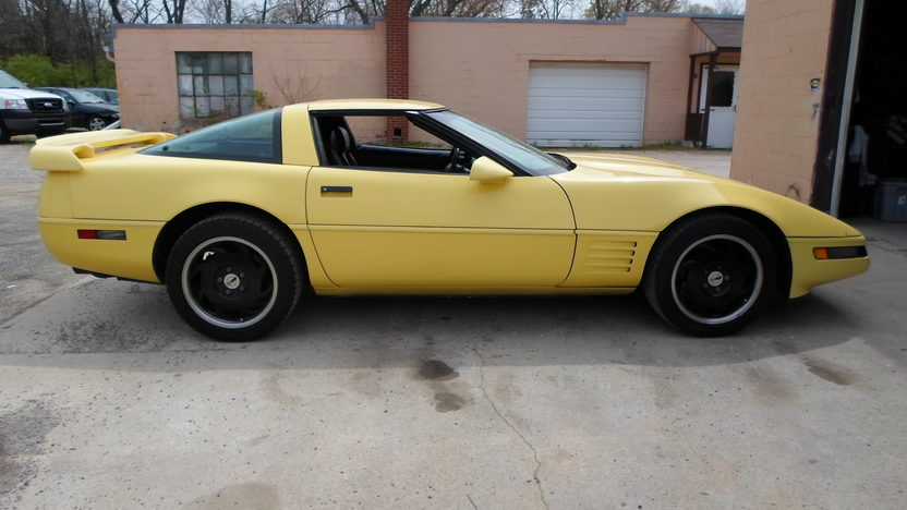 1994 Chevrolet Corvette 350 CI, Automatic presented as lot G191 at Indianapolis, IN 2013 - image2