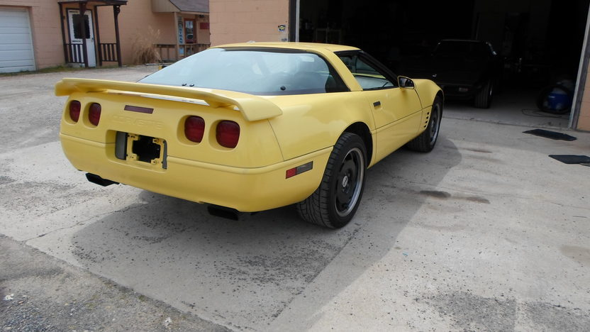 1994 Chevrolet Corvette 350 CI, Automatic presented as lot G191 at Indianapolis, IN 2013 - image3