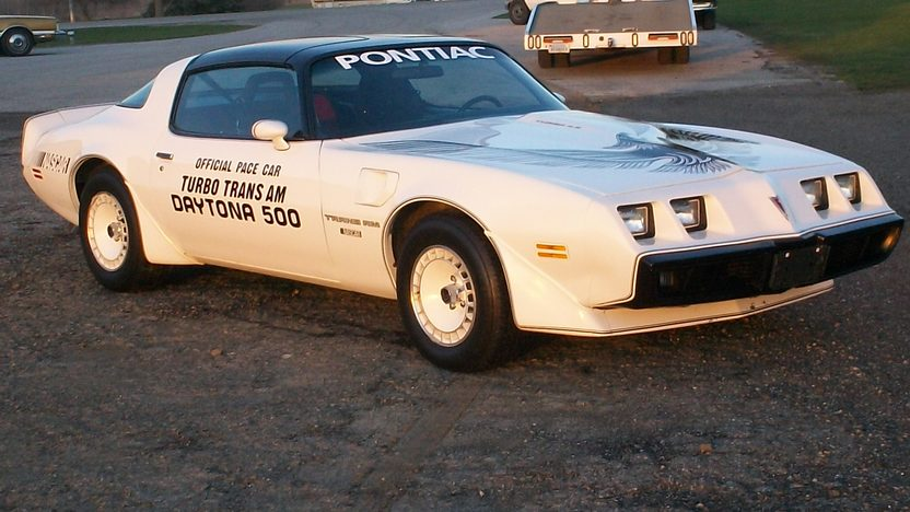 1981 Pontiac Trans Am 301 CI, Automatic presented as lot W211 at Indianapolis, IN 2013 - image11