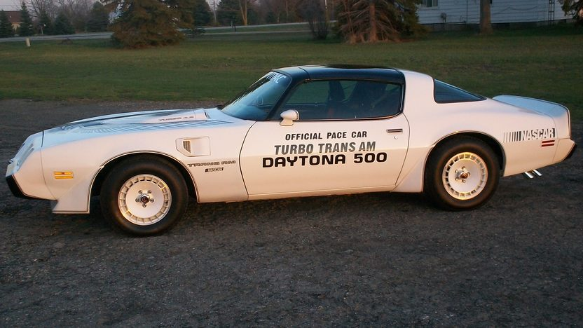 1981 Pontiac Trans Am 301 CI, Automatic presented as lot W211 at Indianapolis, IN 2013 - image2