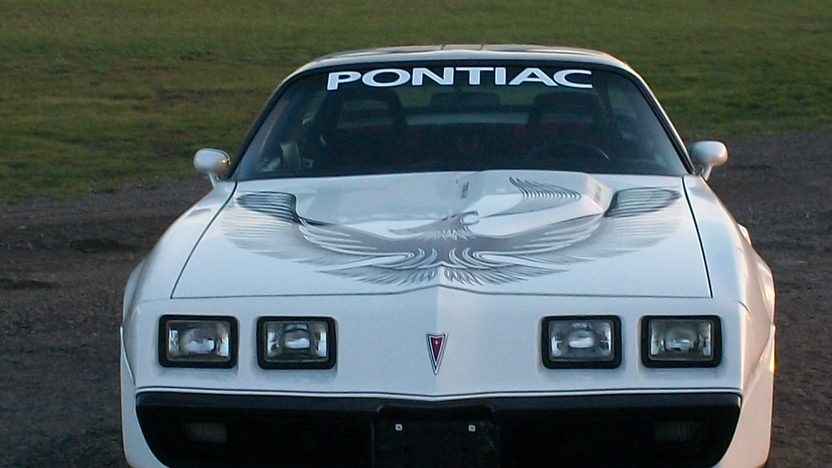 1981 Pontiac Trans Am 301 CI, Automatic presented as lot W211 at Indianapolis, IN 2013 - image9