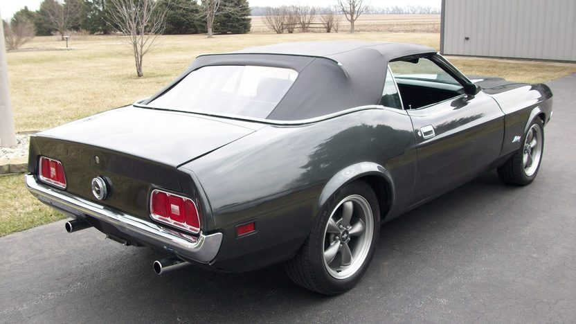 1972 Ford Mustang Convertible 5.0L, Automatic presented as lot W229 at Indianapolis, IN 2013 - image6