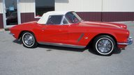 1962 Chevrolet Corvette Convertible 327/340 HP, 4-Speed presented as lot W263 at Indianapolis, IN 2013 - thumbail image2
